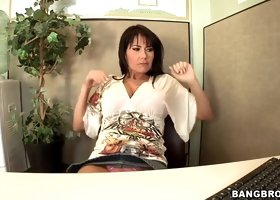Busty milf Eva Karera gives lusty head in office