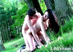 Teen gets fucked in outdoor